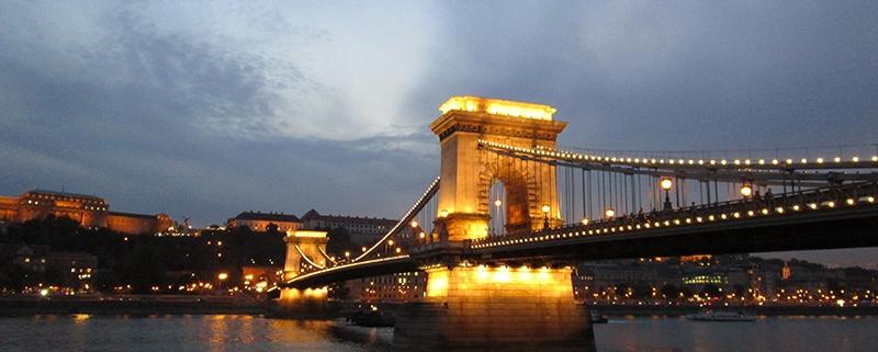Puente de las Cadenas - 10 lugares imprescindibles para visitar en Budapest