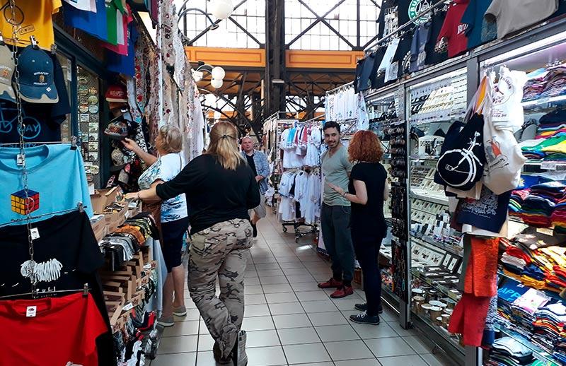 mercado-central-de-budapest-souvenirs