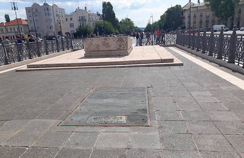 placa cenotafio plaza de los heroes
