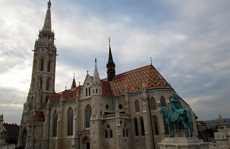 BUDAPEST-EN-3-DÍAS-Iglesia-de-Matías-en-el-Castillo-de-Buda