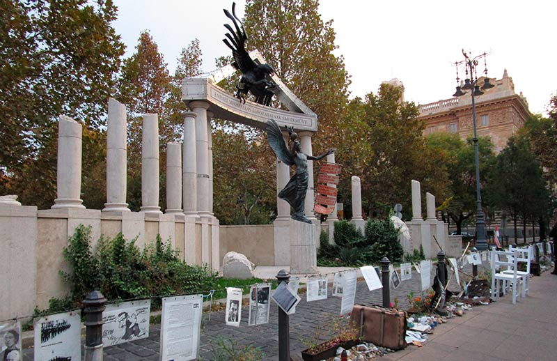 BUDAPEST-EN-3-DÍAS-Monumento-a-la-Memoria-de-las-Víctimas-de-la-Ocupación-Alemana