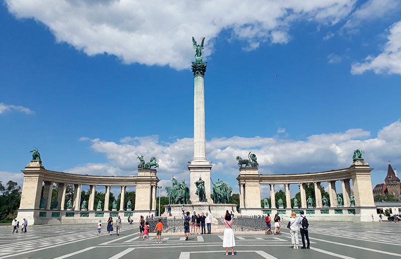 BUDAPEST-EN-3-DÍAS-visión-general-de-la-Plaza-de-los-Héroes-y-del-Monumento-al-Milenio