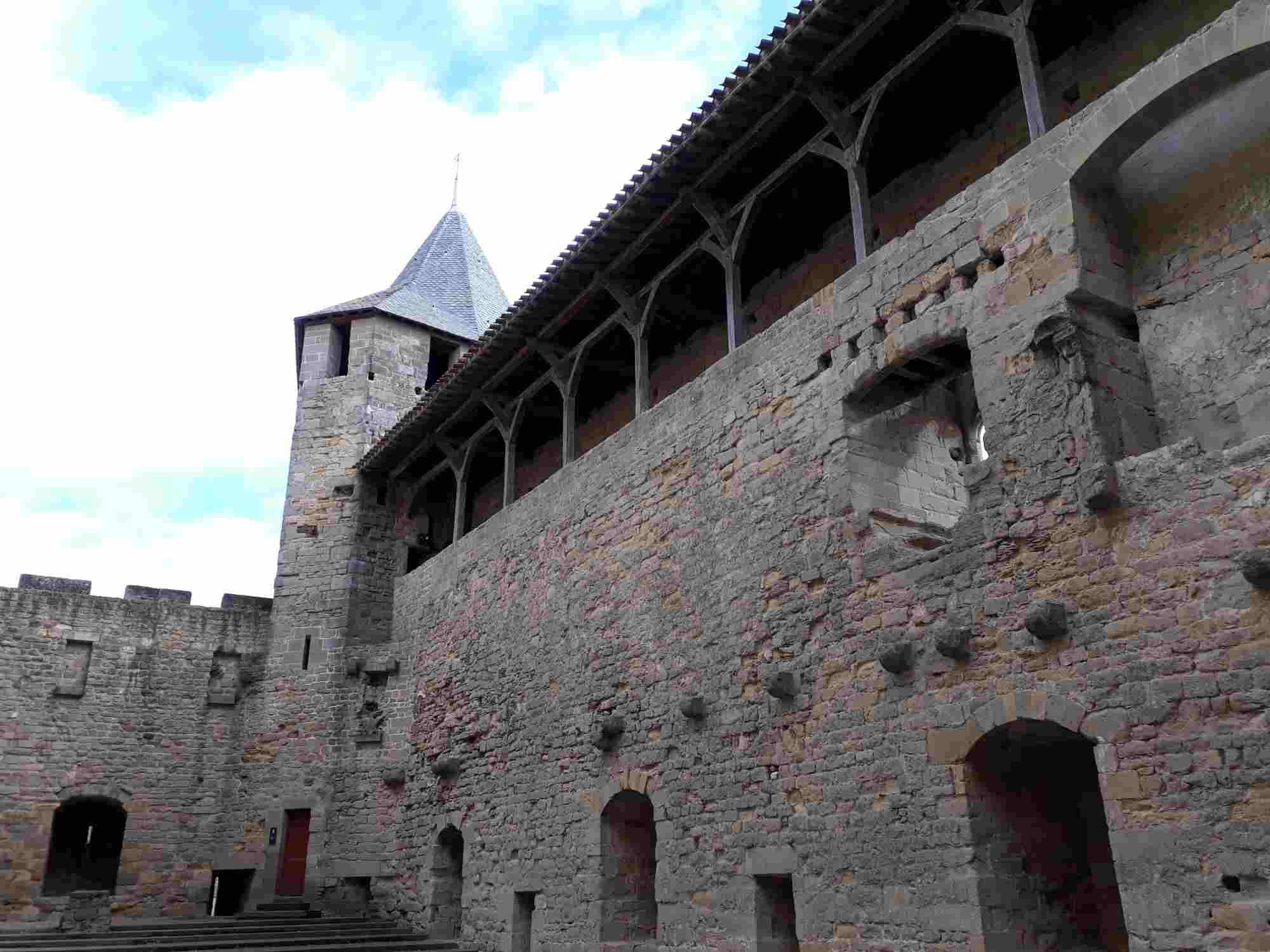 El Castillo de los Trencavel es uno de los lugares imprescindibles que ver en Carcassonne