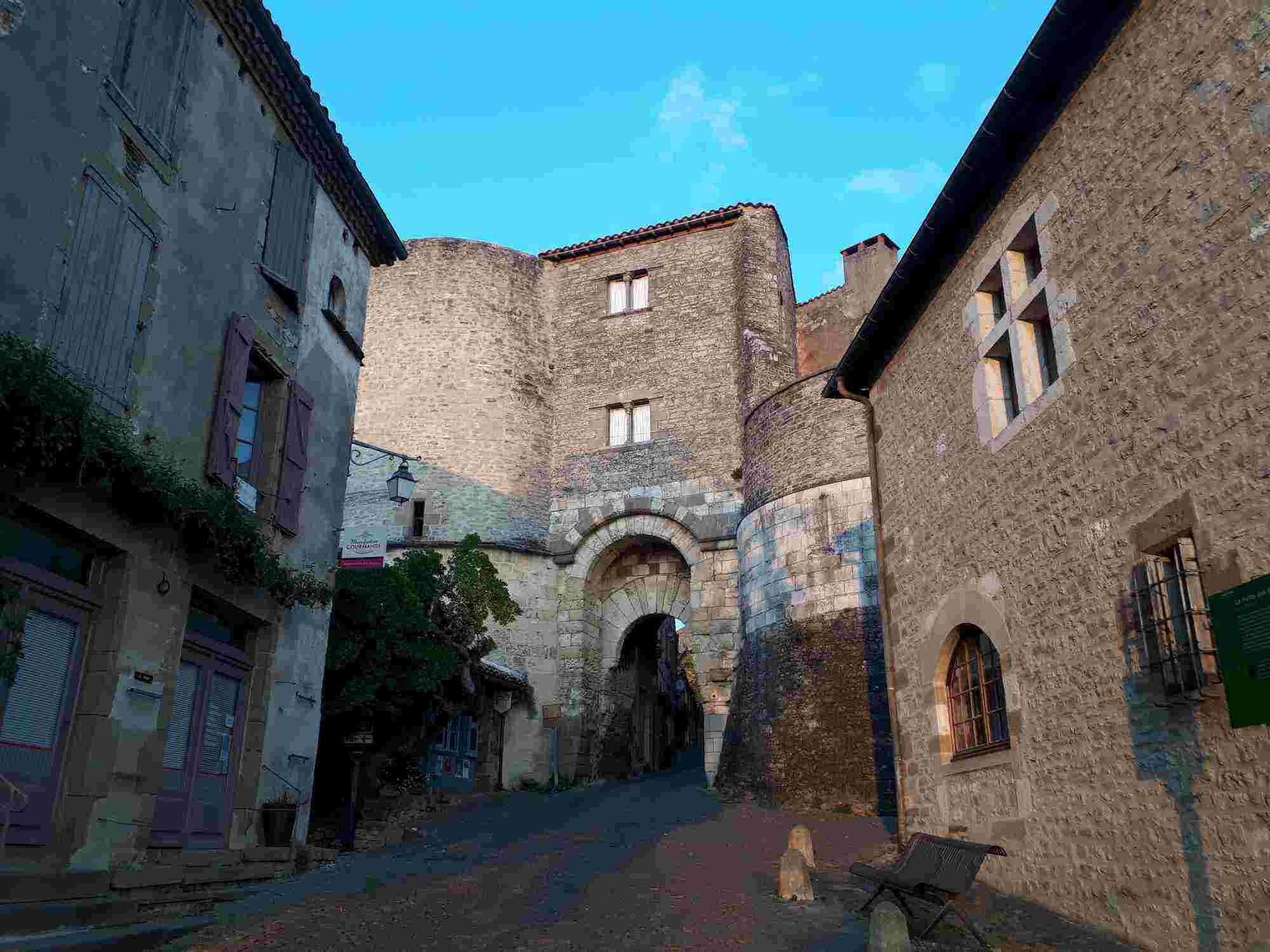 Cordes-sur-Ciel, otro que no podía faltar en nuestra lista de diez pueblos bonitos cerca de Toulouse