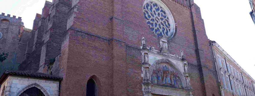 Las Iglesias góticas meridionales como la de Nuestra Señora de la Dalbade de Toulouse estaban diseñadas con una nave única para combatir a los cátaros